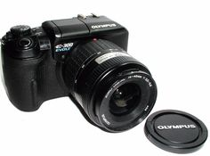 OLYMPUS EVOLT E-300  14-45mm DIGITAL SLR CAMERA with Lens and Charger.