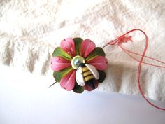 Bumble Bee Dew Drop Needle Nanny Sewing Needle Buddy by Claybykim