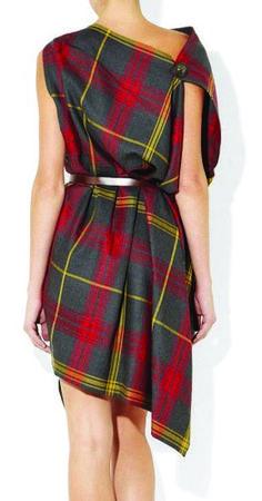 Эффектное асимметричное платье чрезвычайно простого кроя   Шкатулка
