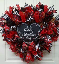 Valentine Wreath,Heart~Shape Valentine Wreath,Valentines Day Wreath,Valentine's Day, Valentine's by CherylsCrafts1 on Etsy