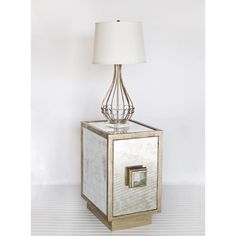Worlds Away Savannah End Table In Antiqued Mirror With Silver Leaf - Worlds-away-savannah-s | Candelabra, Inc.