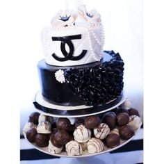Scheme Theme: CHANEL Party | Las Vegas Wedding Planner // Las Vegas Weddings