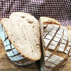 Nice #crumb on this one  Its a 65% hydration #loaf great for melts. #realbread #artisanbread #sourdough #nrkmat #godtno #matbloggsentralen