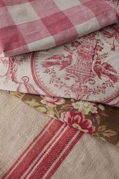 Home Decor Luxury All About Vignettes: Mixing Patterns Using Big Bold Buffalo Checks.Home Decor Luxury All About Vignettes: Mixing Patterns Using Big Bold Buffalo Checks French Country Kitchens, French Country Bedrooms, French Country Cottage, French Country Style, French Country Decorating, French Country Fabric, Country Homes, Modern Country, Country Farmhouse