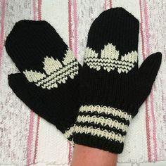 Aiheeseen liittyvä kuva Knitting Charts, Knitting Socks, Adidas Socks, Mitten Gloves, Hand Warmers, Knitting Projects, Handicraft, Knit Crochet, Cross Stitch