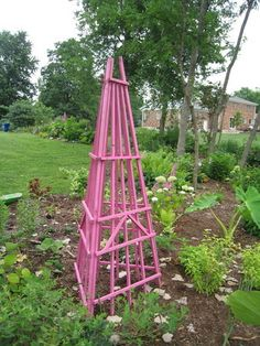 Easy Garden Tuteur-Buy 3 triangle shape trellises-Turn upside down and wire together-Easy/Peasy...love the spot of cplor