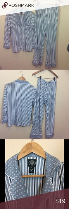 """Laura Ashley Striped Blue Boyfriend Pajama Set S Make this yours! Soft Cozy Laura Ashley Pajama Set. Just in time for Fall and Winter! Navy and powder blue and white stripes and polka dots.Cotton poly blend.  The Measurements: Tag Size Women's Small  Top: Chest: 38"""" Length: 24.5""""  Pants: Waist: Elastic 25""""-31"""" Inseam: 28"""" Ankle: 9""""  Condition: No signs of wear Laura Ashley Intimates & Sleepwear Pajamas"""