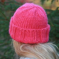 pink hat.  free pattern.  love this one! super chunky yarn and the color combos are endless!