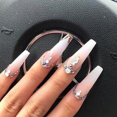 50 Pretty Nail Designs Ideas for 2019 - Uñas hermosas Aycrlic Nails, Gem Nails, Diamond Nails, Dope Nails, Stiletto Nails, Nails With Diamonds, Coffin Nails, Ongles Bling Bling, Rhinestone Nails