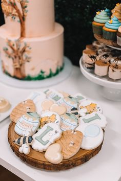 Winnie The Pooh Themes, Winnie The Pooh Cake, Winnie The Pooh Birthday, Vintage Winnie The Pooh, Boys First Birthday Party Ideas, Girl First Birthday, Boy Birthday Parties, Baby Birthday, Vintage First Birthday