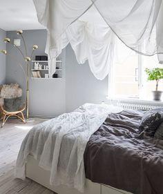 Not so minimalist - via Coco Lapine Design