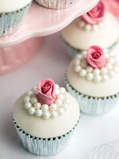 wedding cupcakes, absolutely inlove with this cake
