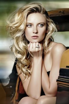 Soft flowing curls is a subtle way of telling everyone you're fabulous! #southsalon #newhaircut #awesomehair