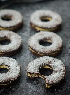 Čokoladni sendvič keksi s kokosom by Nina Tarasova