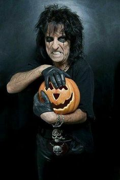 Can it really be Halloween without Alice Cooper! Alice Cooper, Detroit, Nita Strauss, Rob Zombie, Heavy Metal Music, Horror Movies, Scary Movies, Music Is Life, Rock Music