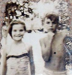 CLARA MARIA OCHOA DOMINGUEZ Y FRANCISCO JAVIER VELASCO VÉLEZ EN EL CLUB CAMPESTRE DE CALI 1962.  FOTO TOMADA POR HAROLD BLUM CAPURRO UN FOTÓGRAFO DE 10 AÑOS DE EDAD