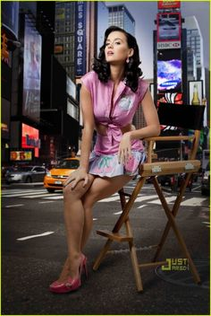 Katy Perry Prism High Quality Promo Photo: Katy Perry Lifestyle And Fashion Photos Gallery Katy Perry Photos, Katy Perry Gallery, Beautiful Celebrities, Beautiful Women, Girl Crushes, Mini Skirts, Celebs, Killer Legs, Rockabilly Style