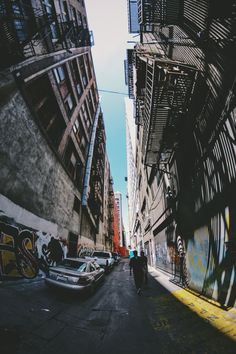 Fisheye Wide Angle Photography, Fish Eye Photography, Photography Aesthetic, Phone Backgrounds Tumblr, Vintage Drawing, Retro Aesthetic, Purple Aesthetic, Street Photo, Graffiti Art