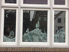 raamtekeningen met krijtstift Chalkboard Markers, Chalkboard Art, Window Art, Recycled Materials, Diy Home Decor, Recycling, Home And Garden, Windows, Dekoration