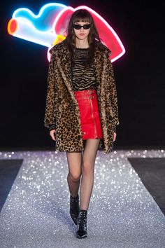 Just Cavalli Fall 2016 Ready-to-Wear Fashion Show Fashion Gallery, Fashion Show, Red Leather Mini Skirt, Just Cavalli, Roberto Cavalli, Glam Photoshoot, Milano Fashion Week, Fashion Addict, Cheetah