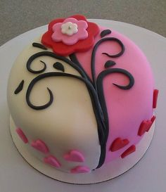 Valentines Day Cake with Flower