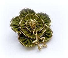 Vintage Brooch Zipper Pin Approx 26 in/ 65 cm  by ZipperDesign, $19.00