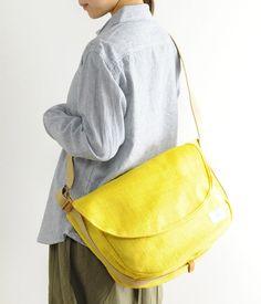 oversized saddle bag meshed with a messenger..