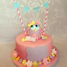 Owl and bunting cake Owl Cakes, Girly Cakes, Pirate Party, Bunting, Birthday Cake, Cake Ideas, Pirates, Desserts, Eat