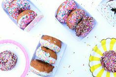 Perfectly display donuts for breakfast or as gifts with these fun boxes. Choose between five colorful designs! Food N, Food And Drink, National Donut Day, Printable Box, 50th Wedding Anniversary, Love Is Free, Bake Sale, Diy Craft Projects, I Love Food
