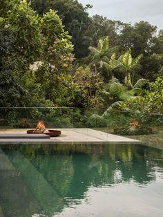 At Home In the Jungle: Casa na Mata by Studio MK27 in Guarujá