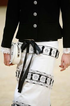 welcome in the world of fashion — Chanel - Paris Fashion Week - Fall 2015 Chanel 2015, Chanel Paris, Chanel Chanel, Chanel Outfit, Chanel Fashion, Chanel Jacket, Chanel Couture, Karl Lagerfeld, Couture Details