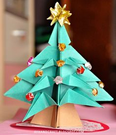 Crafts Time: 30 Mini Christmas Tree Tutorials. Did One while I was in Barcelona. ;)