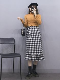 마리쉬♥패션 트렌드북! Korean Girl Fashion, Korean Fashion Trends, Ulzzang Fashion, Korea Fashion, Asian Fashion, Long Skirt Outfits, Modest Outfits, Casual Outfits, Cute Outfits
