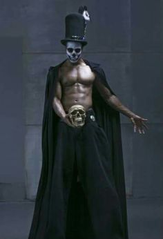 Papa legba (I believe this is Baron Samedi.A hot Baron I must say. Baron Samedi, Papa Legba, Magick, Witchcraft, Voodoo Costume, Witch Doctor Costume, Voodoo Party, Dr Tattoo, Tattoos