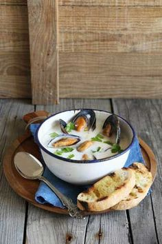 Kremet blåskjellsuppe Scallops, Clams, Soups And Stews, Camembert Cheese, Seafood, Food Photography, Appetizers, Favorite Recipes, Nutrition