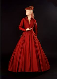 Costume designed by Dior for Vivien Leigh in the 1958 production of Duel of Angels  From the V&A
