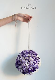 DIY FLORAL BALL - one of the many things that look gorgeous but that i'll never have the motivation to make. maybe if i ever have a wedding i'll pay someone to make this shit for me.