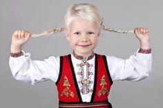 Øst Telemark bunad til jente - Almankås
