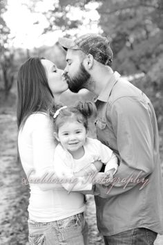 Luebbering Photography-Like us on facebook! FAMILY POSE