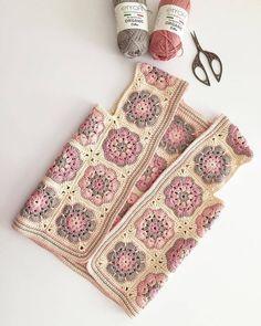 Granny square with interesting color combination crochet - AmigurumiHouse Crochet Waistcoat, Gilet Crochet, Crochet Coat, Crochet Jacket, Crochet Clothes, Crochet Squares, Crochet Motif, Crochet Flowers, Knitting Patterns