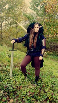 larpgirl:  Lylon is a new elf character that I am creating. I really enjoy playing elves and I am having a lot of fun buying new pieces for ...   Calimacil LARP Sword : Novice