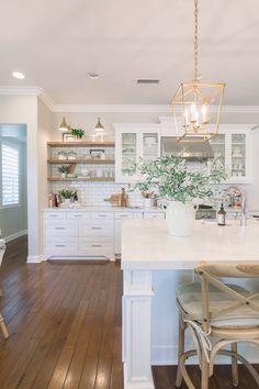 White & Bright Kitchen Reveal - A Thoughtful Place Home Decor Kitchen, New Kitchen, Kitchen Interior, Home Kitchens, Interior Livingroom, White Kitchen Designs, White Coastal Kitchen, Kitchen Ideas, White Shaker Kitchen