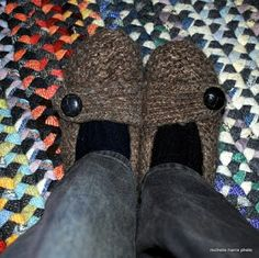 Periwinkle Quilting and Beyond: Slipper Pattern--Knit and Felted