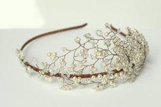 TheModernvintagebride - Mallorie tiara, £205.00 (http://www.themodernvintagebride.co.uk/mallorie-tiara/)