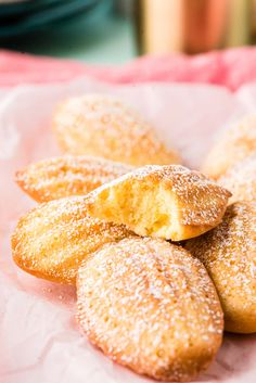 French Madeleines are light, airy, and buttery mini sponge cakes with a scalloped shell shape and golden crisp edges! These cakes are sweet with a hint of lemon, perfect for enjoying alongside a cup of hot tea or coffee! French Desserts, No Cook Desserts, Gf Recipes, Cookie Recipes, Tea Party Desserts, Madeleine Recipe, Good Food, Yummy Food, Cookies