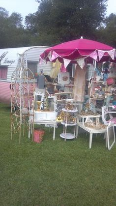 Trish~Vintage Bliss at the June 2012 show....