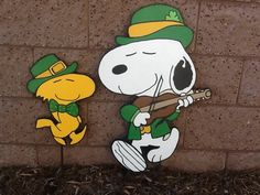 UP FOR YOUR CONSIDERATION IS THIS HAND-PAINTED SNOOPY AND WOODSTOCK READY FOR ST. PATRICKS DAY AND READY TO BE SHIPPED..... SNOOPY IS APPROX 25