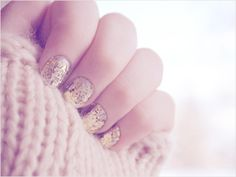 Nail polish idea #Gold #Sparkle