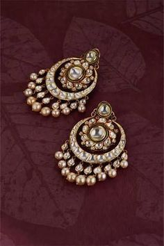 Buy Gold Jewelry Near Me Refferal: 2450242674 Indian Jewelry Earrings, Real Gold Jewelry, Jewelry Design Earrings, Gold Earrings Designs, Indian Wedding Jewelry, Gold Jewellery Design, India Jewelry, Gems Jewelry, Quartz Jewelry