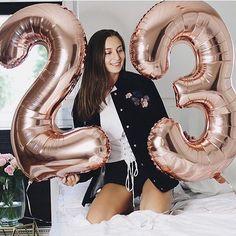 #regram @anacelinexo ROSEGOLD LIEBE - Zahlenballons aus Folie! ❤️#rosegold #ballons #balloon #birthday #celebration #party #geburtstag #geschenk #dekoration #decoration #inspiration #geschenkidee #happy #wochenende #weekend #leipzig #dresden #berlin #blogger #bloggerstyle #bloggerbirthday #blogger_de